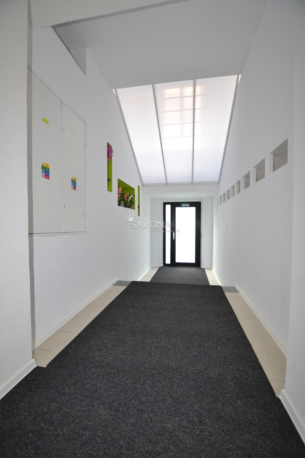 PRENÁJOM  kancelárskych priestorov, POPRAD - Veľká