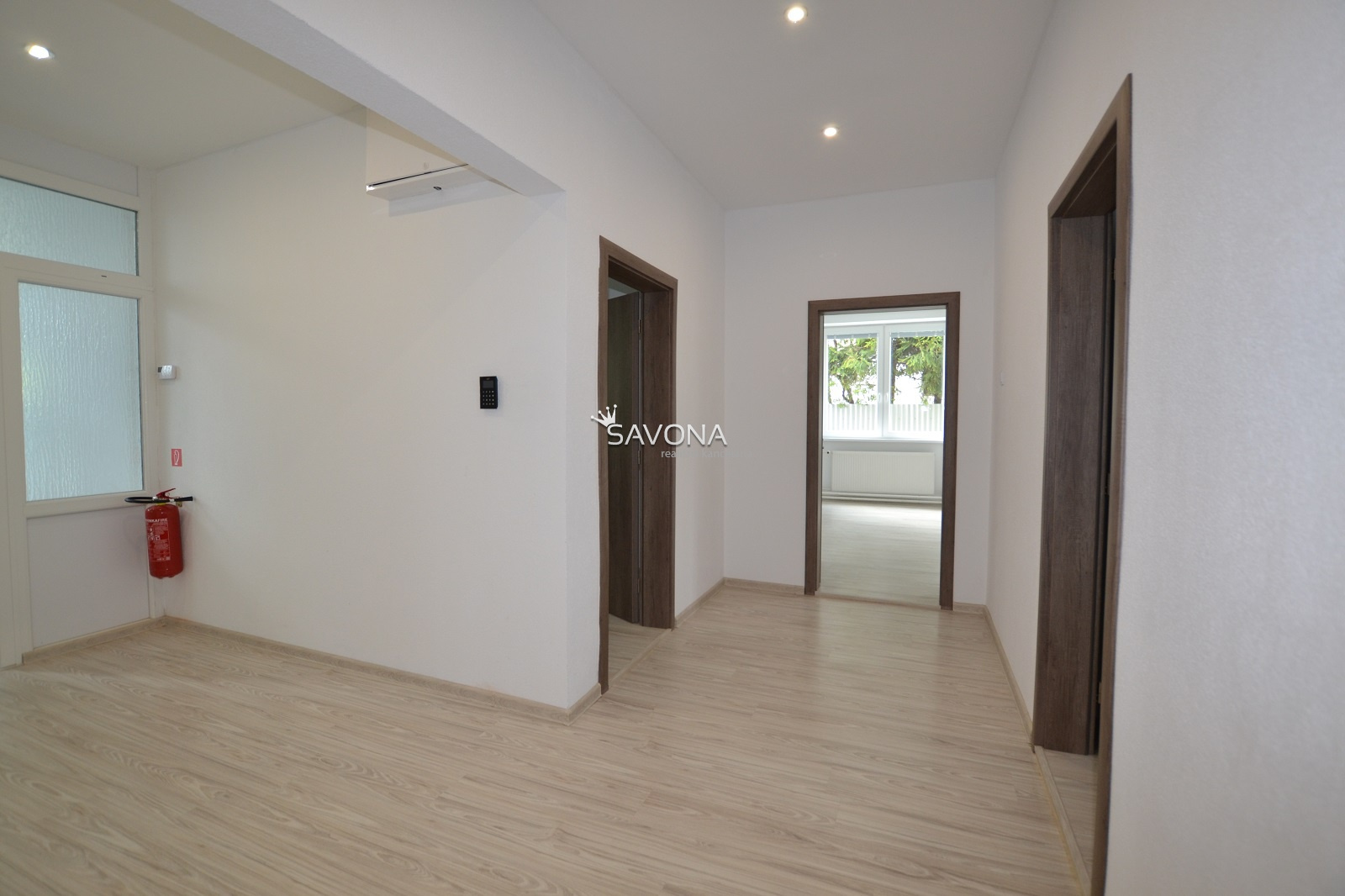PRENÁJOM kancelárskych priestorov - 99,24 m2 - 1. podlažie