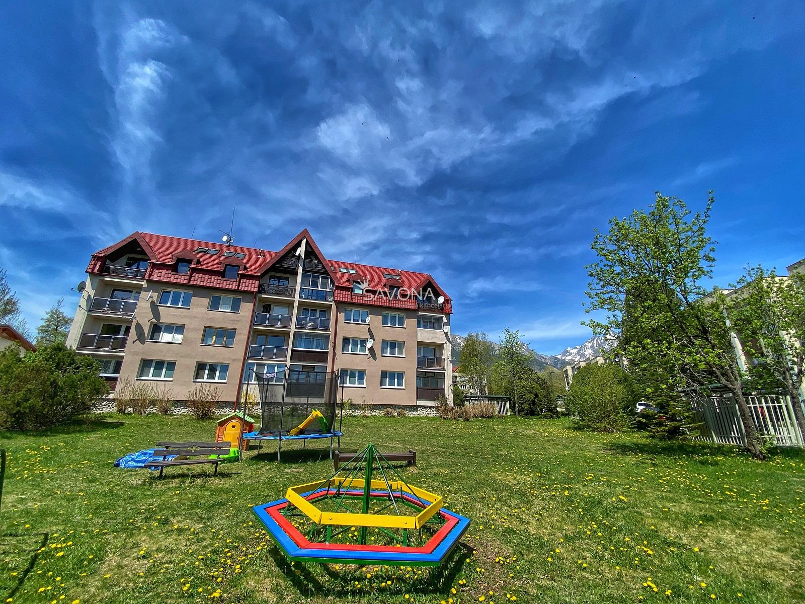 4 izbový mezonetový byt s dvoma loggiami, 103 m2, s výhľadom na TATRY, Dolný Smokovec