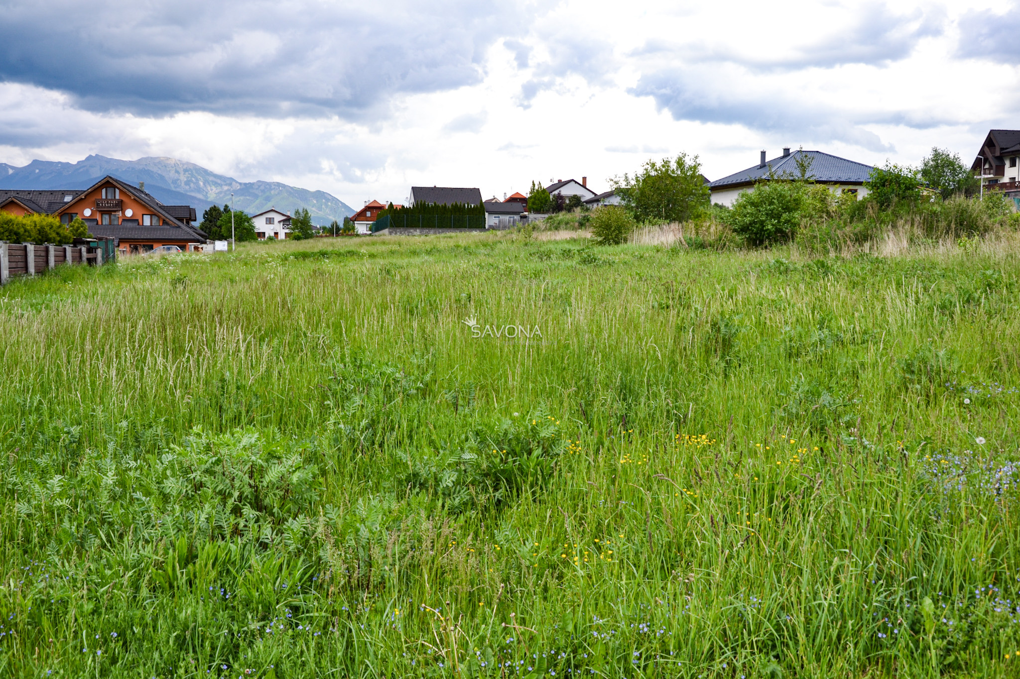 PREDANÉ- Veľký, rovinatý pozemok s výhľadom na Vysoké Tatry, Veľká Lomnica