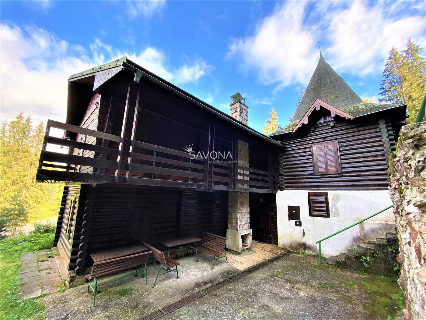 REKREAČNÁ CHATA   - (7 izbová) -  na pozemku 774 m2 v obci STRATENÁ – Dobšinská Ľadová Jaskyňa