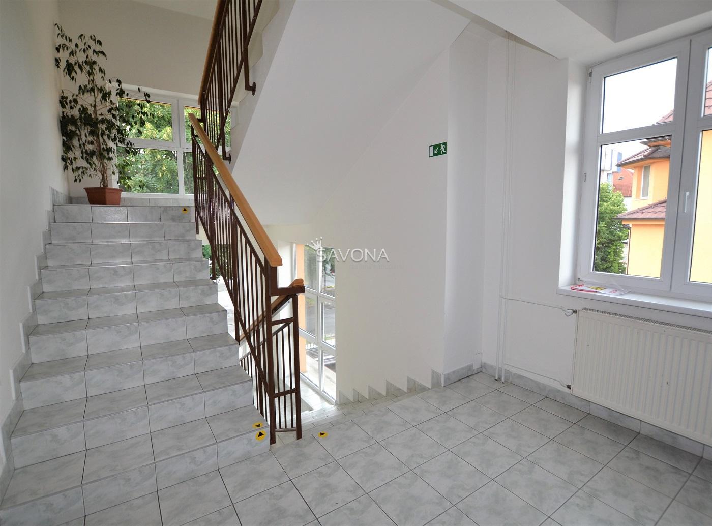NA PRENÁJOM – 28 m2 – priestory na 2. podlaží v blízkosti centra, POPRAD – ul. Hviezdoslavova